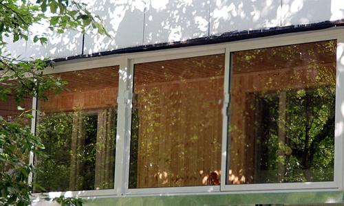 Защита балконного остекления..